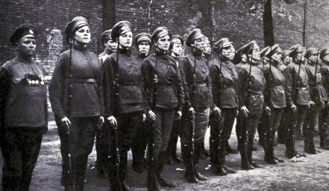 рассказы приключения женщин в армии